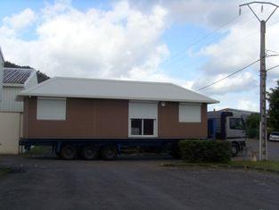China Caravanas prefabricadas habitables/caravanas de encargo del verde para la familia proveedor