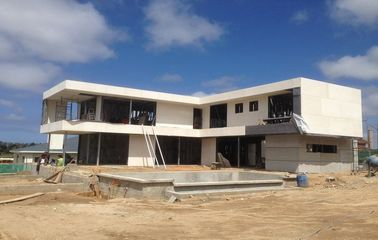 Casa de marco de acero ligera, dos chalets de los pisos, tres o cuatro de los dormitorios